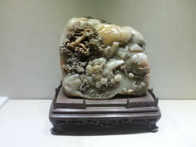 A CHINESE OF SHOUSHAN STONE VIEW CARVING
