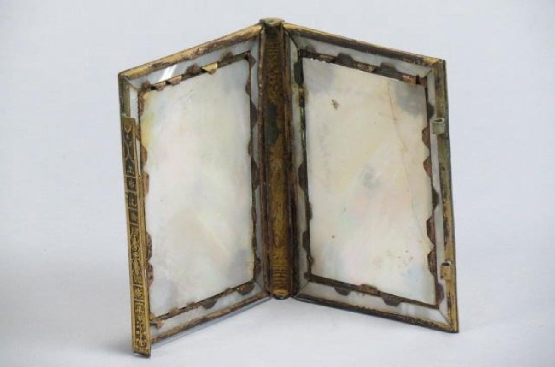 2 Victorian Mother-of-Pearl Items. - 3