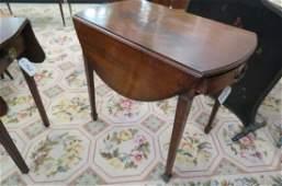 Fine Sheraton Mahogany Dropleaf Table,