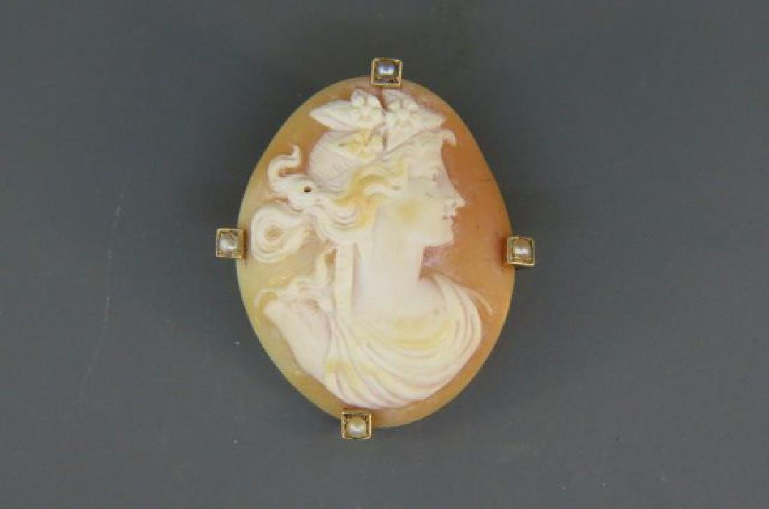 14K Gold Cameo Brooch,