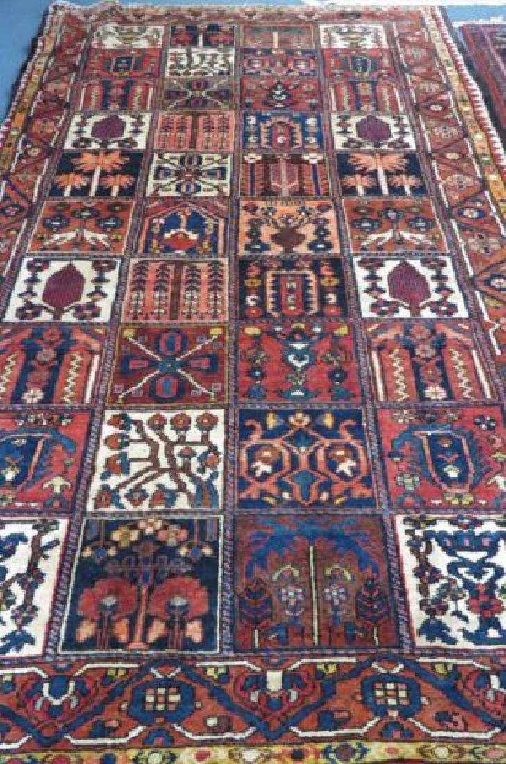 Bakhtiari Persian Handmade Rug,