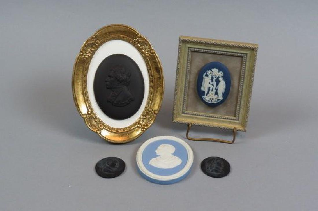 5 Wedgwood Pottery Plaques,