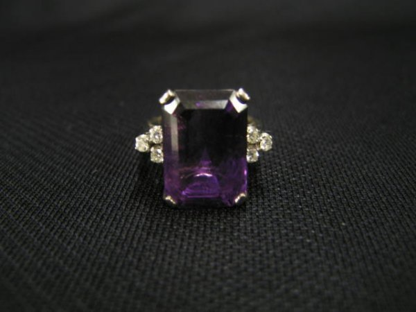 1011: Amethyst & Diamond Ring, deep rich 20 carat recta