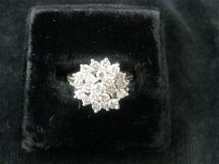 11: Diamond Ring, fine cluster of round diamonds totali