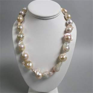 Pearl Necklace w Large Baroque Pearls,