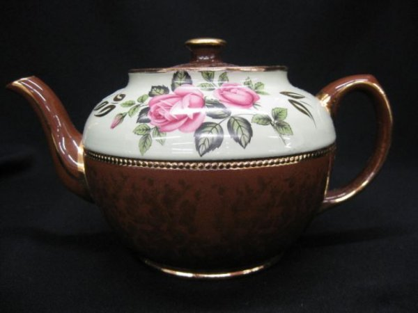 7A: Sadler English Pottery Teapot, floral on green band