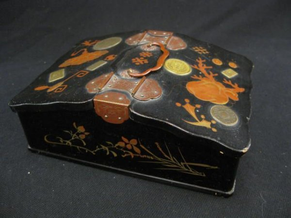 520: Japanese Lacquer Box, handpainted and inlaid coin