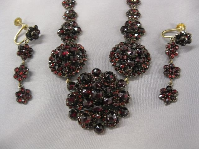 10A: Victorian Bohemian Garnet Necklace & Earrings,