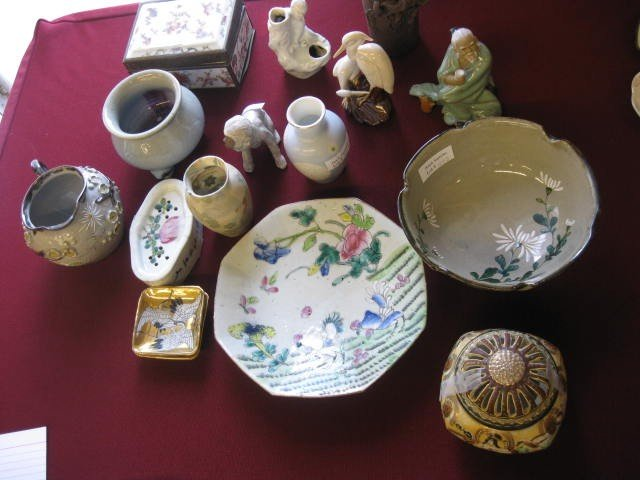 1282: Collection of Oriental Pottery & Porcelains,