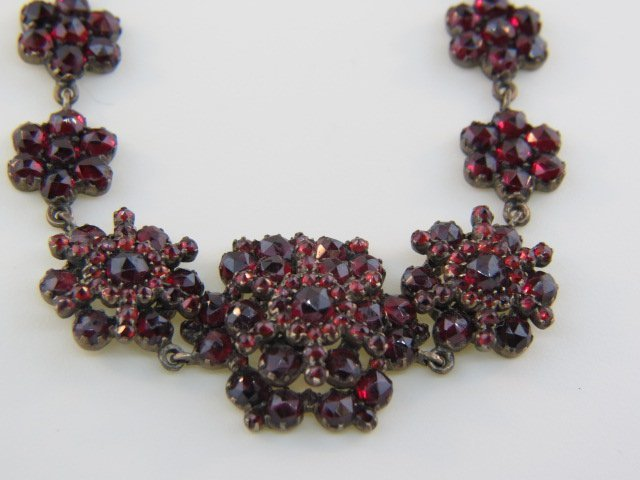 150B: Victorian Garnet Necklace,