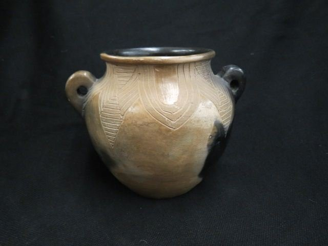 Maude Welch Cherokee Indian Pottery Vase,