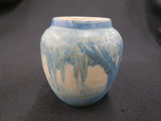 "Newcomb College ""Moon & Moss"" Art Pottery Vase,"