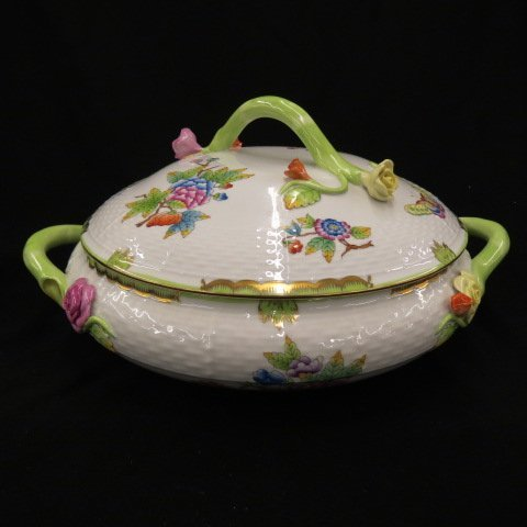 """Herend """"Queen Victoria"""" Porcelain,"""