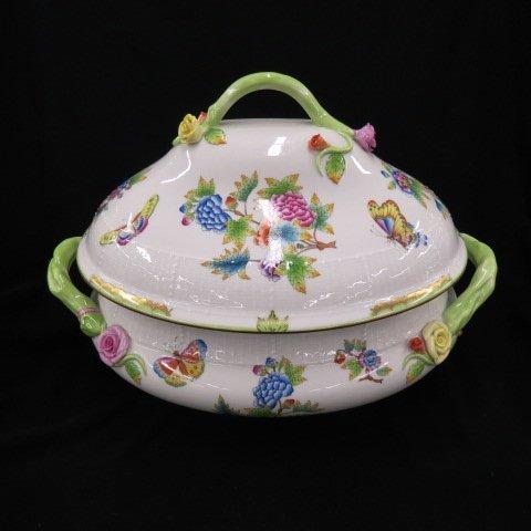 """Herend """"Queen Victoria"""" Porcelain Soup Tureen,"""