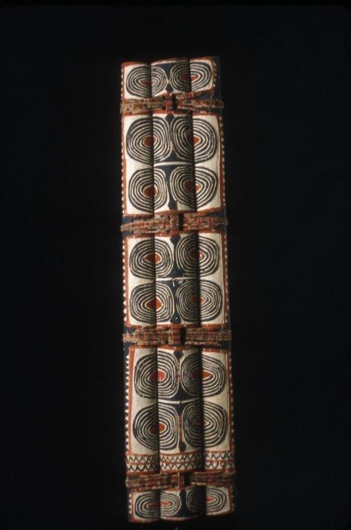 Papu New Guinea Ceremonial War Shield
