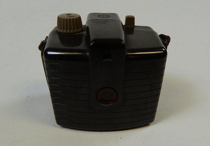 Vintage Kodak Brownie Holiday Camera w/ Dakon Lens - 3