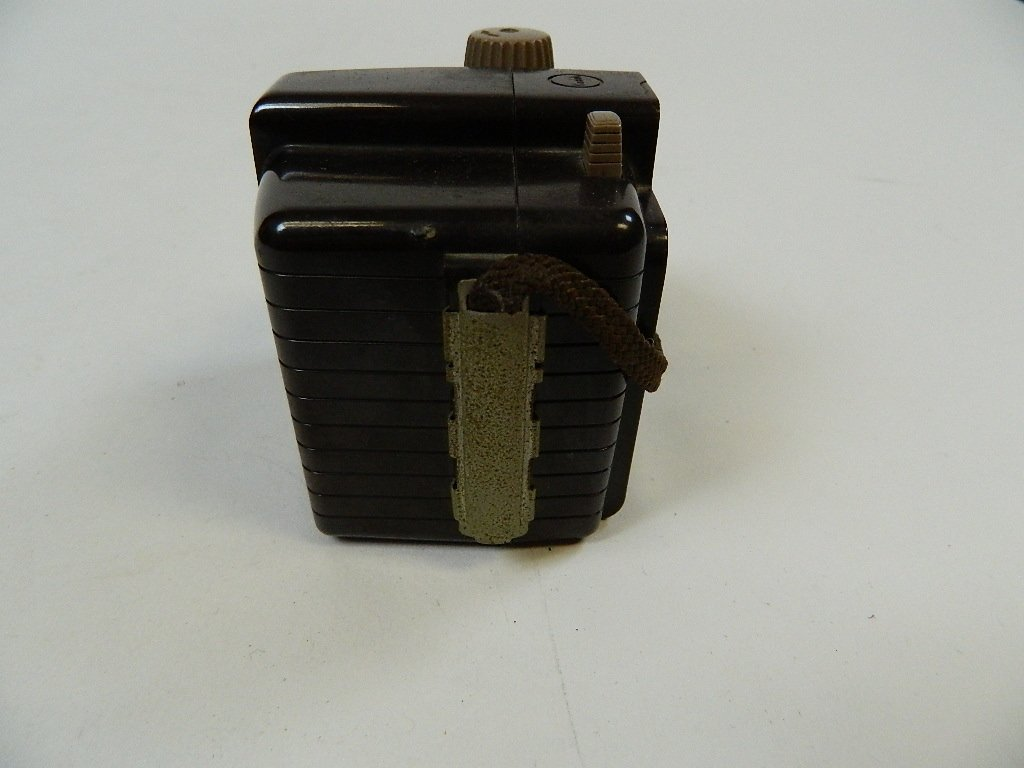 Vintage Kodak Brownie Holiday Camera w/ Dakon Lens - 4