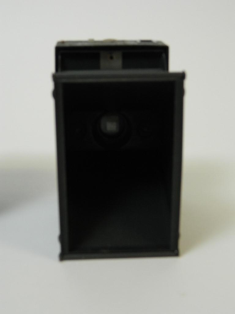 Beau Brownie #2A Box Camera w/ Rare Face Plate - 6