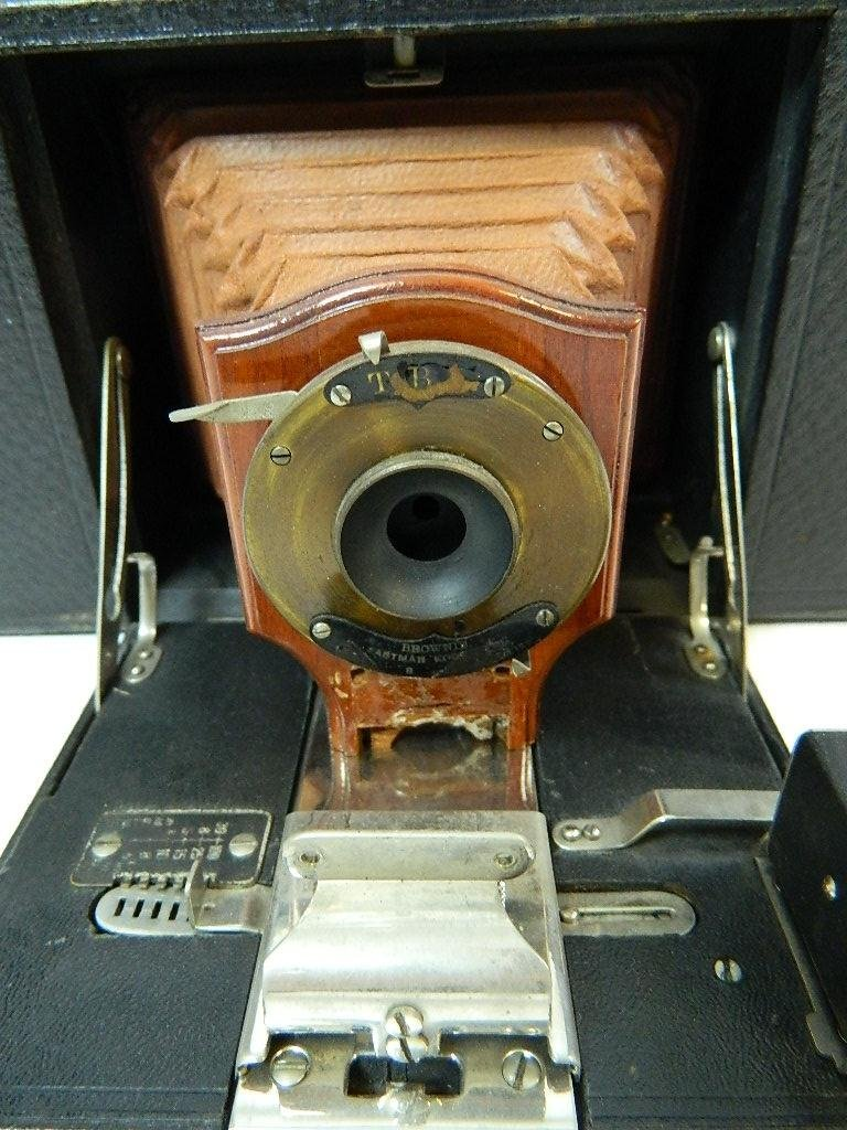 Eastman Kodak Co. No.3 Folding Brownie Camera - 4