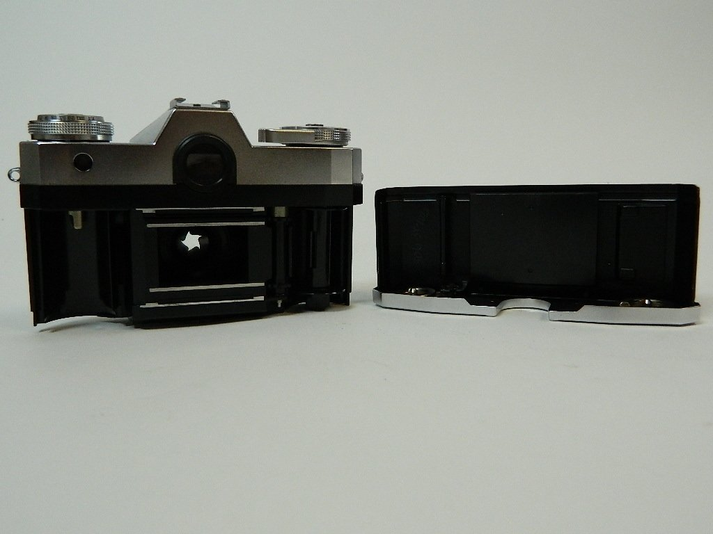 "Argus Model ""K"" Camera w/ Operators Manual - 7"
