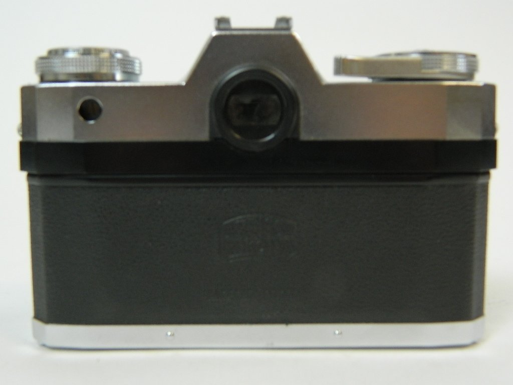 Contaflex Pantar 2.8/45 Camera by Ziess Ikon - 2