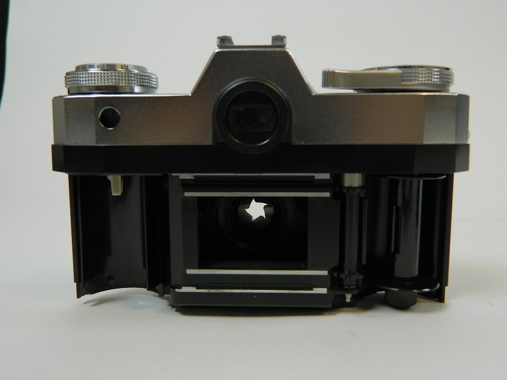 Contaflex Pantar 2.8/45 Camera by Ziess Ikon - 3