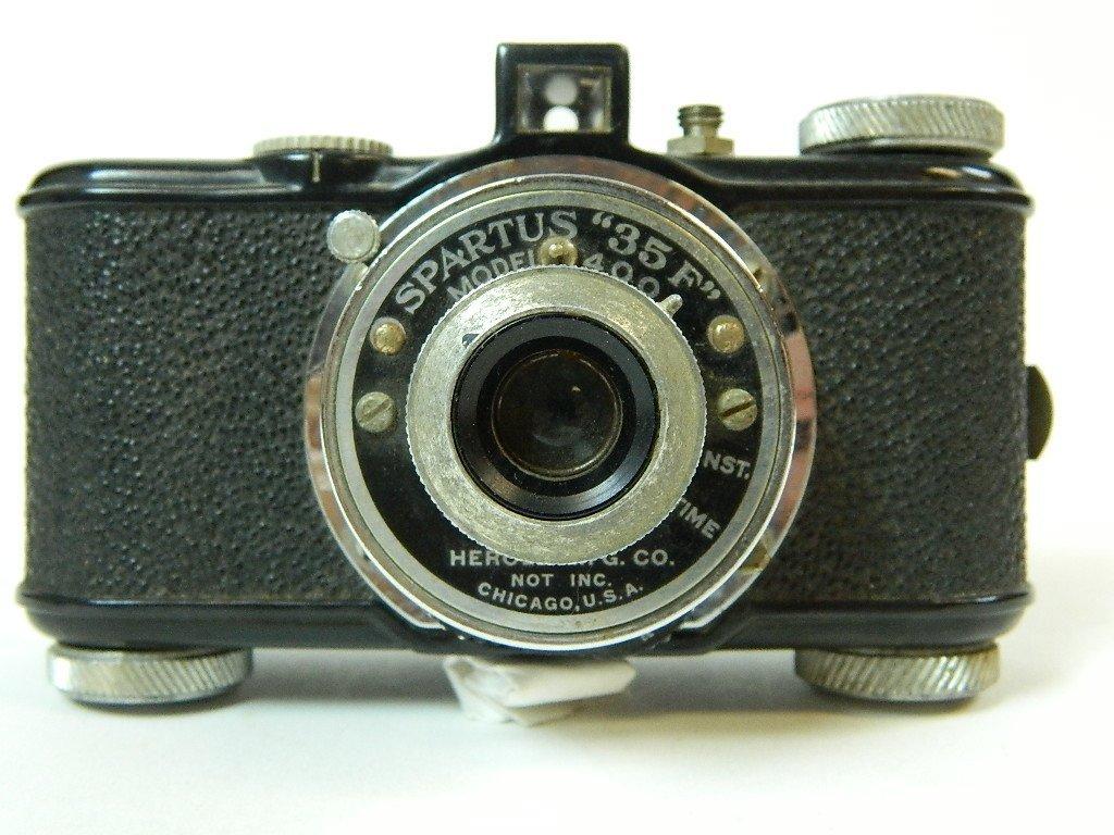 """Vintage Spartus """"35 F"""" Model 400 Camera"""