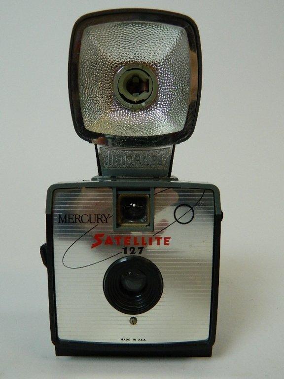 Vintage Mercury Satellite 127 Camera w/ Flash