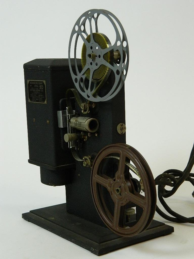 Vintage Kodascope Eight Model 50 8 mm Projector