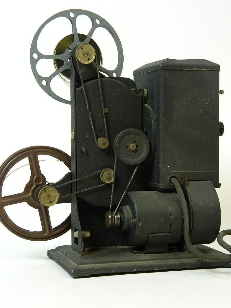 Vintage Kodascope Eight Model 50 8 mm Projector - 4