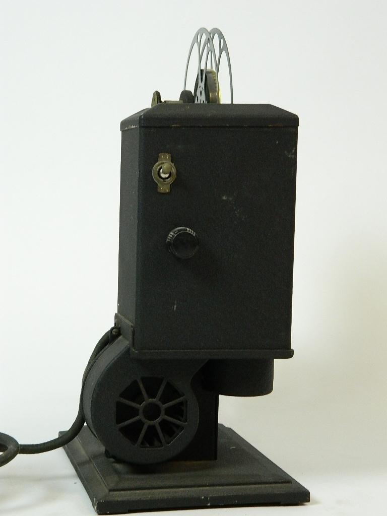 Vintage Kodascope Eight Model 50 8 mm Projector - 5