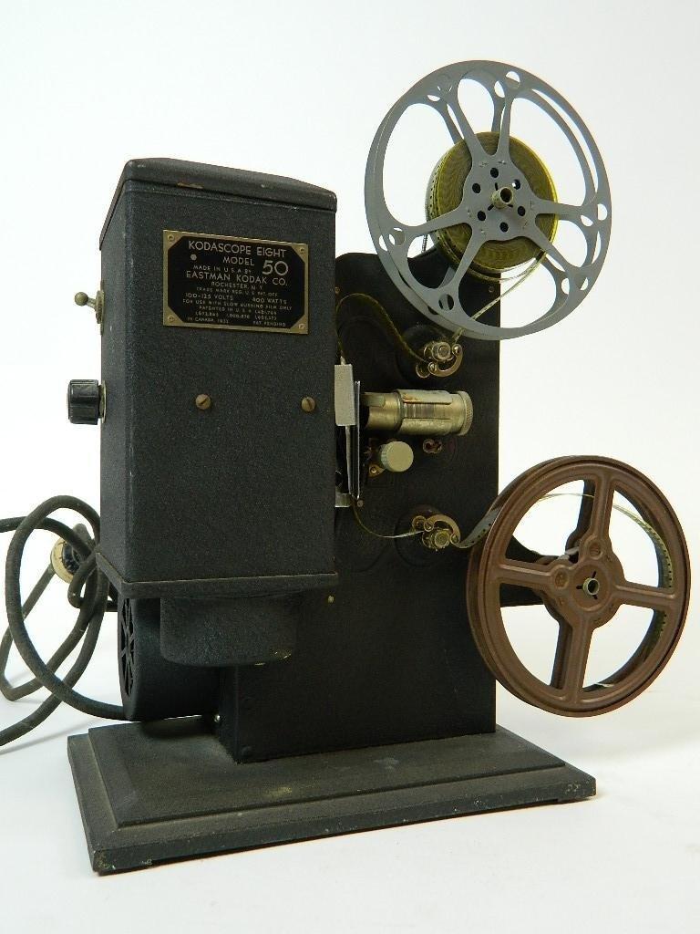 Vintage Kodascope Eight Model 50 8 mm Projector - 6