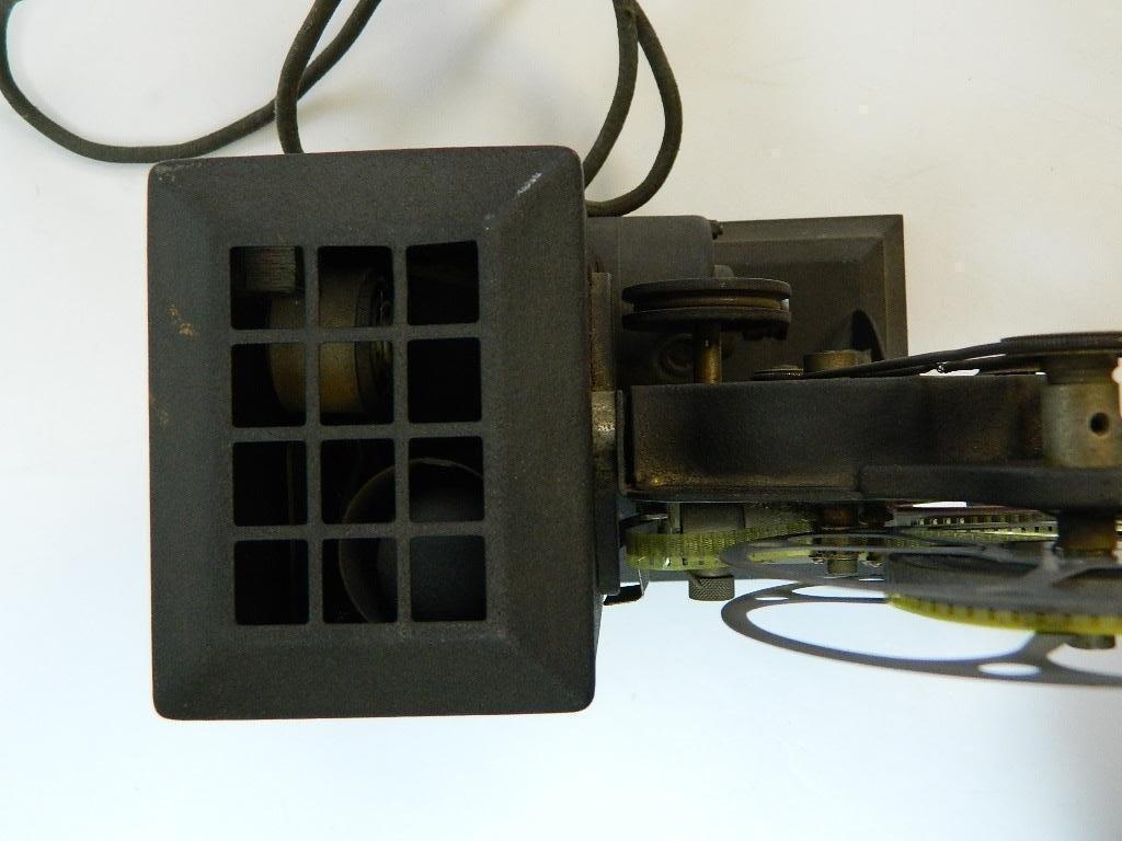 Vintage Kodascope Eight Model 50 8 mm Projector - 8