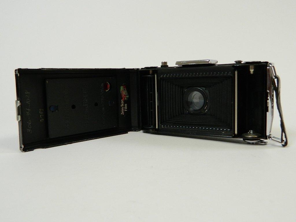 Vintage Kodak Brownie 620 Folding Camera