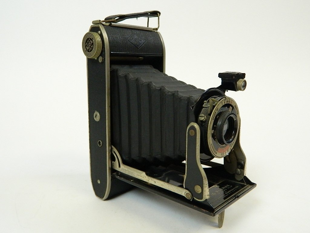 Vintage Agfa Camera with PD-16 Plenax Tripar Lens