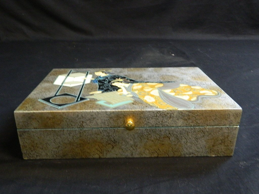 Asian Themed Female Trinket Box