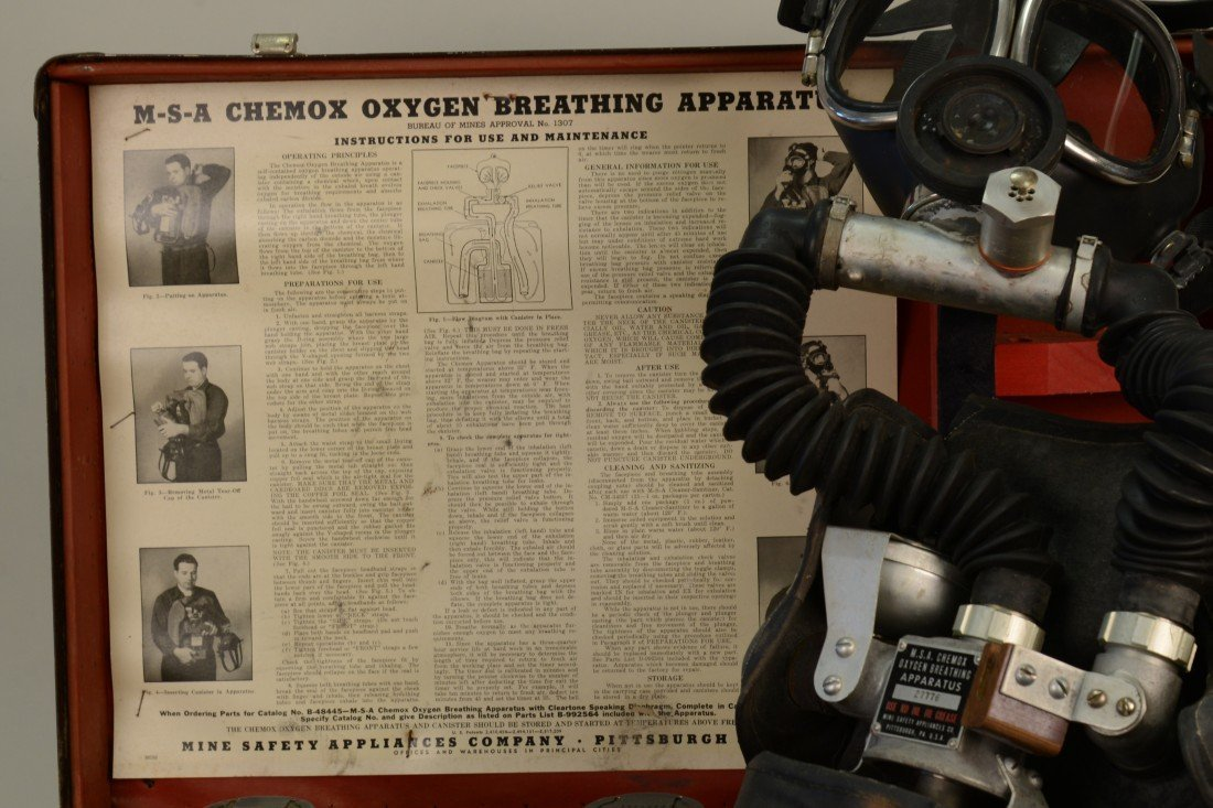 M.s.a. CHEMOX OXYGEN BREATHING APPARATUS, Bureau of Min - 4