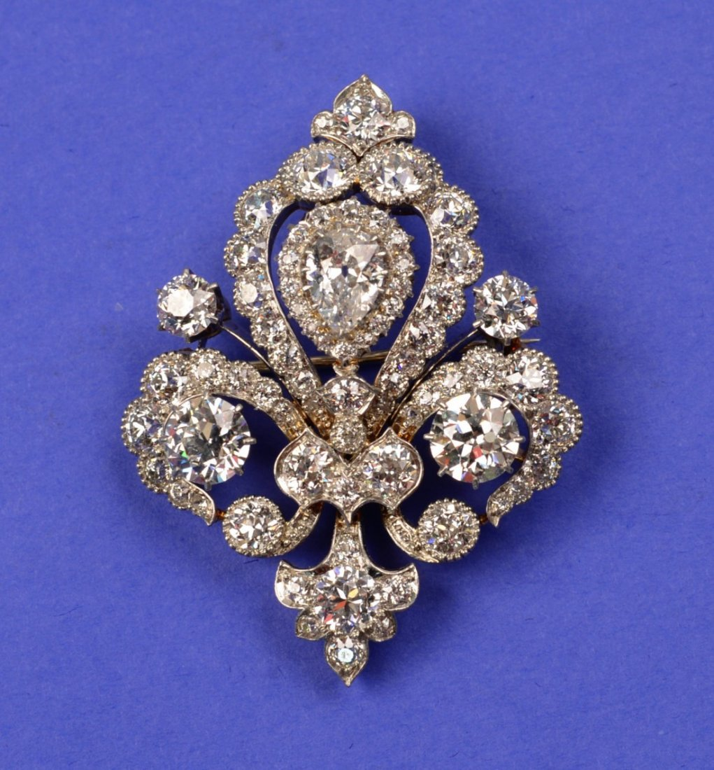 18K YELLOW AND WHITE GOLD AND DIAMOND BROOCH