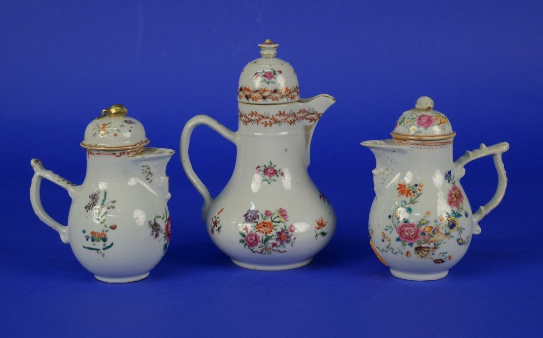 THREE CHINESE EXPORT FAMILLE ROSE TEA POTS, 18th/19th