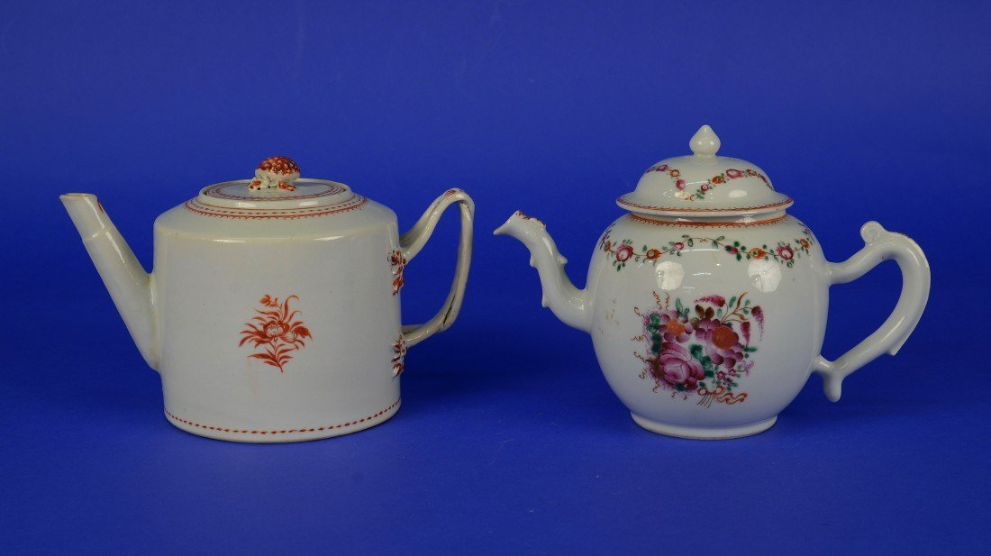 TWO CHINESE EXPORT TEA POTS, 18th/19th century;