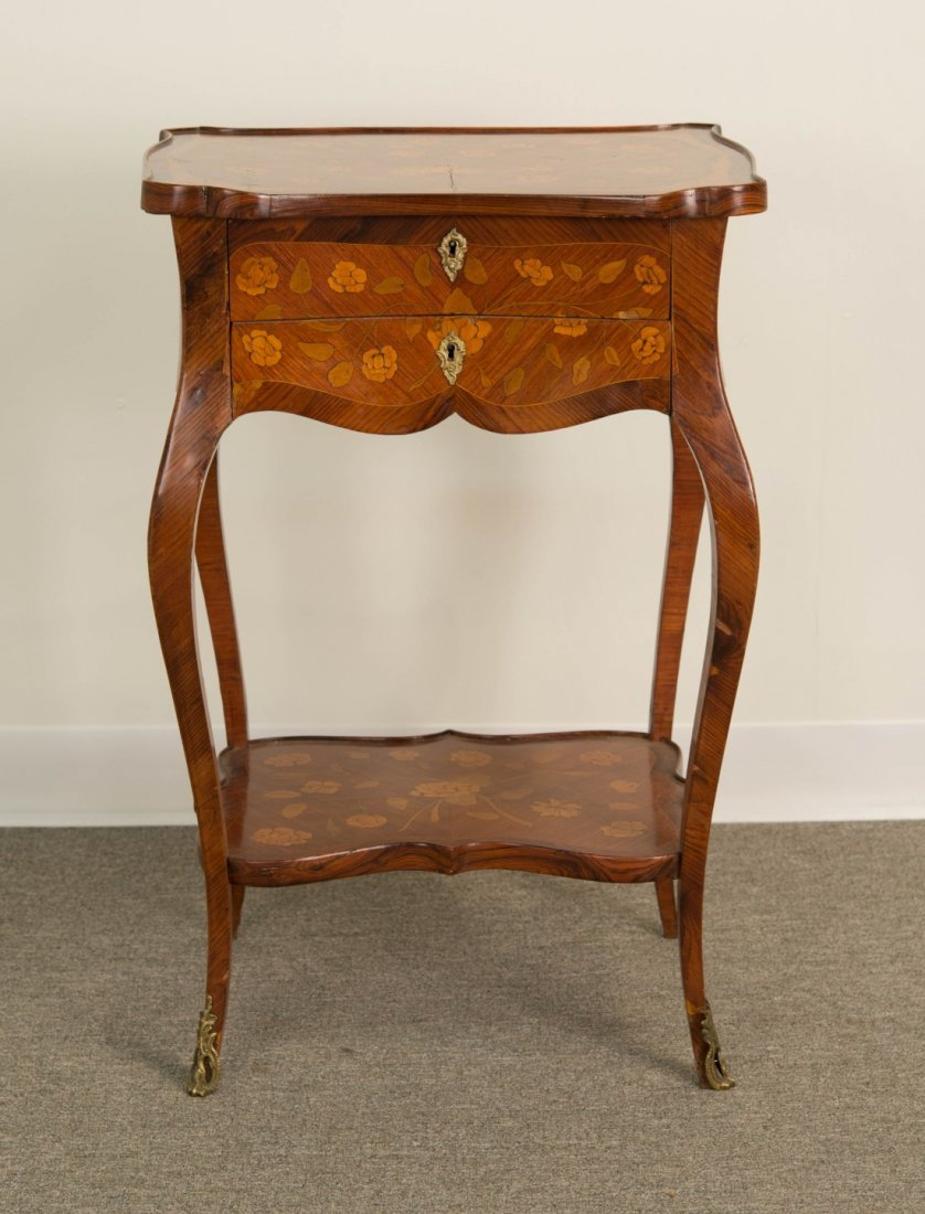 FINE LOUIS XV STYLE FRUITWOOD SIDE TABLE;