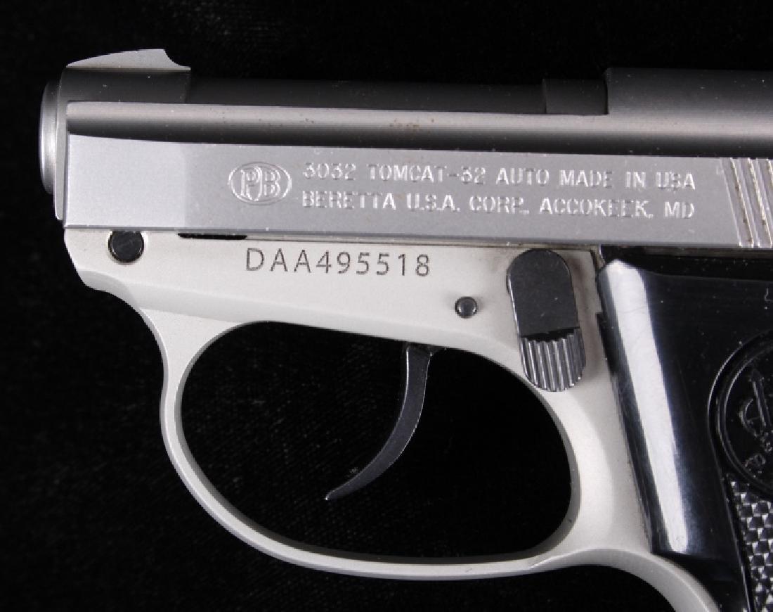 Beretta 3032 Tomcat Tip Up .32ACP Stainless Pistol - 2