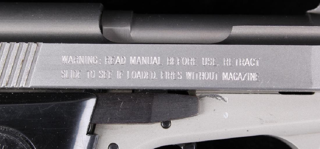 Beretta 3032 Tomcat Tip Up .32ACP Stainless Pistol - 9