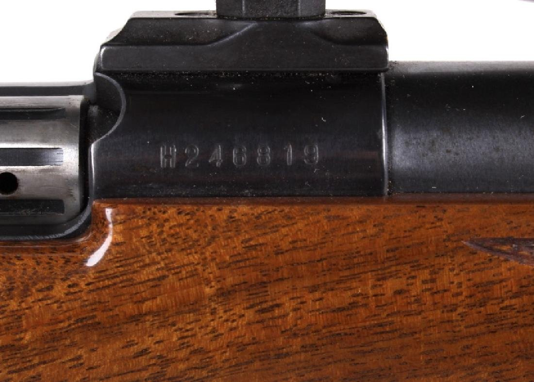 Weatherby Mark V .300 WBY Magnum Rifle & Scope - 5
