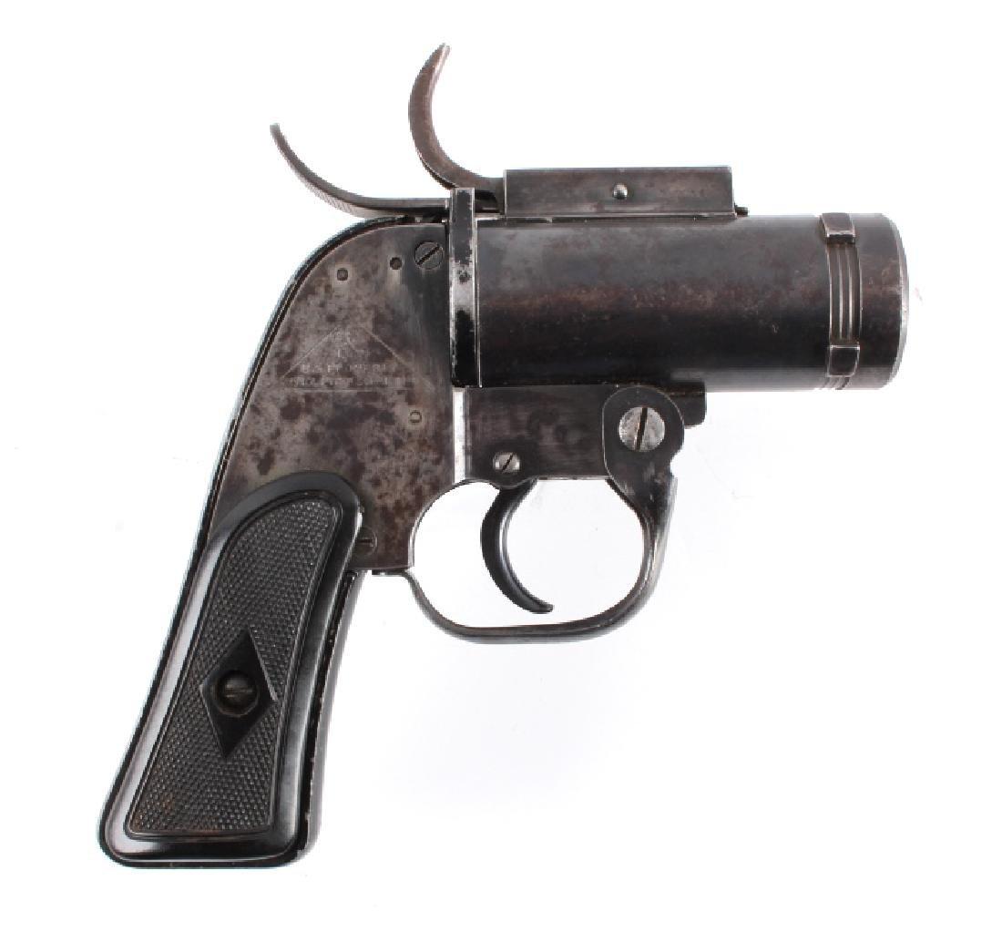 WWII U.S. Pyrotechnic M-8 Flare Gun