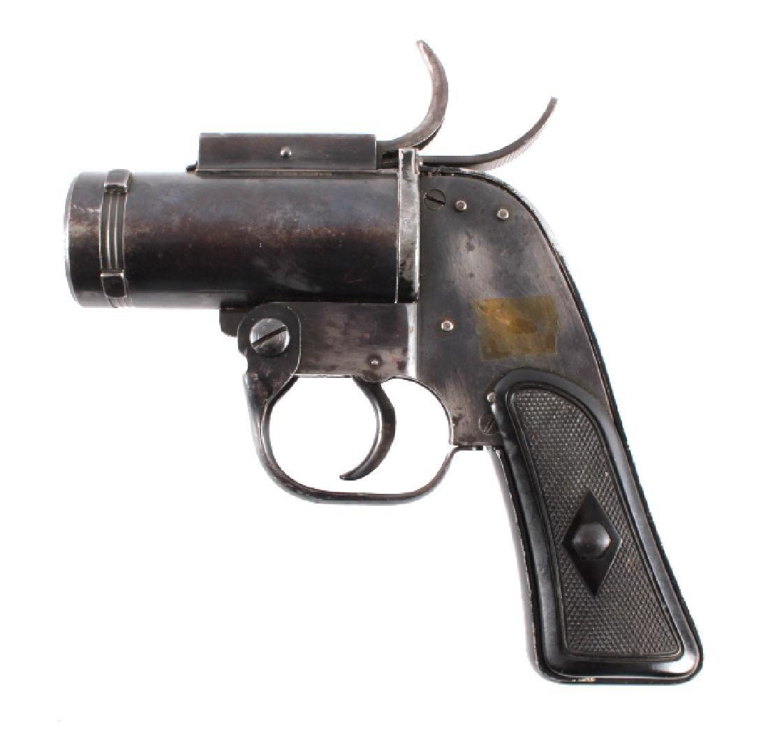 WWII U.S. Pyrotechnic M-8 Flare Gun - 2