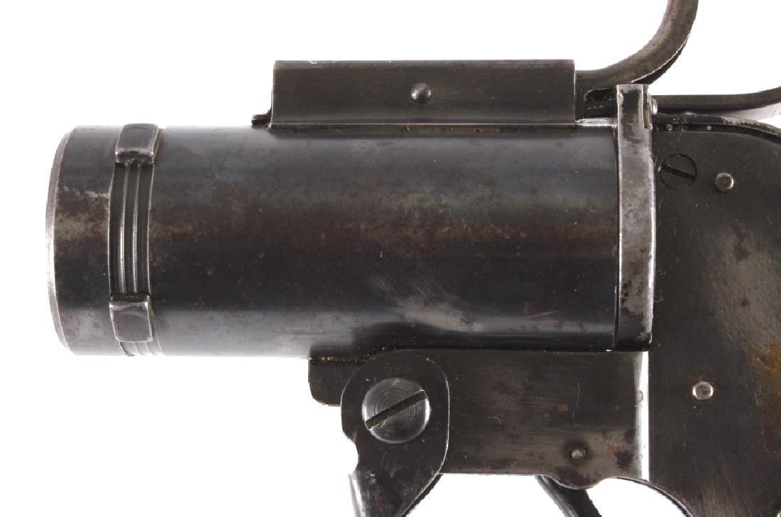 WWII U.S. Pyrotechnic M-8 Flare Gun - 3