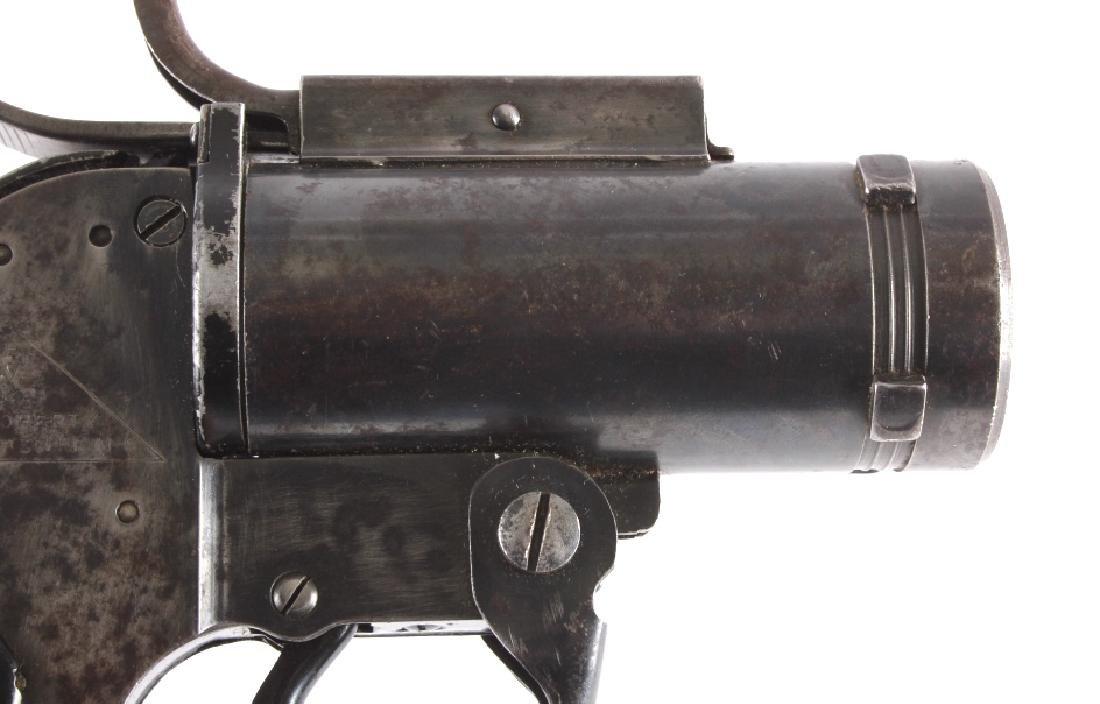WWII U.S. Pyrotechnic M-8 Flare Gun - 4