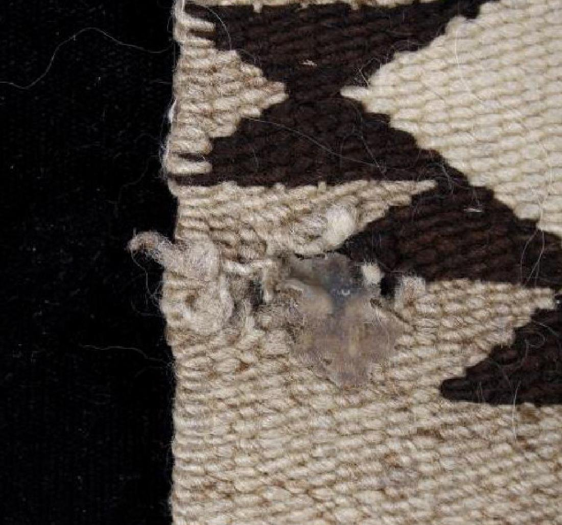 Navajo Old Crystal Pattern Wool Rug - 7