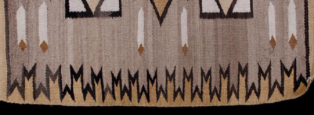 Navajo Two Grey Hills Pattern Wool Rug - 3